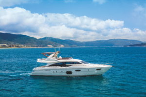 Ferretti Yachts 690_hard top version