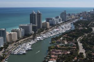 miami-beach-boat-show-2016