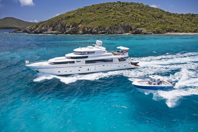 pilothouse and skylounge luxury yacht