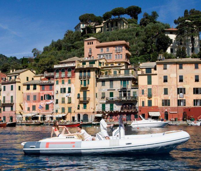 speedboat Pirelli boat