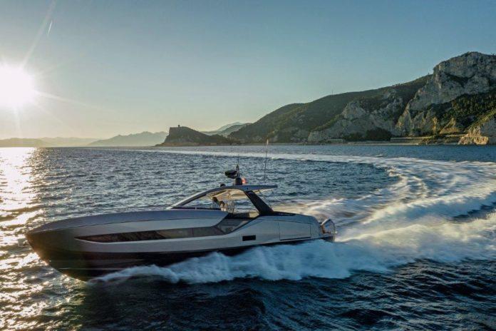 azimut yacht awarded