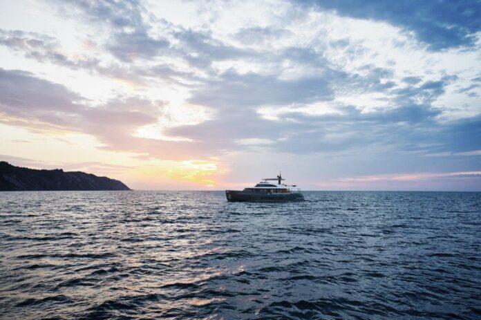 genoa boat show azimut