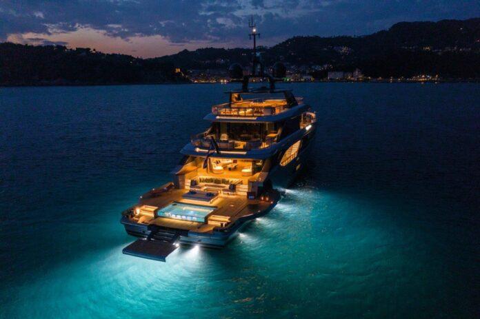 oasis benetti yacht