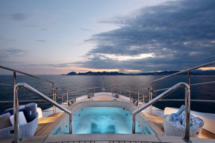 boat show benetti yacht