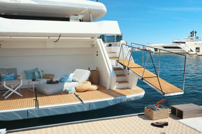 besenzoni italian yacht