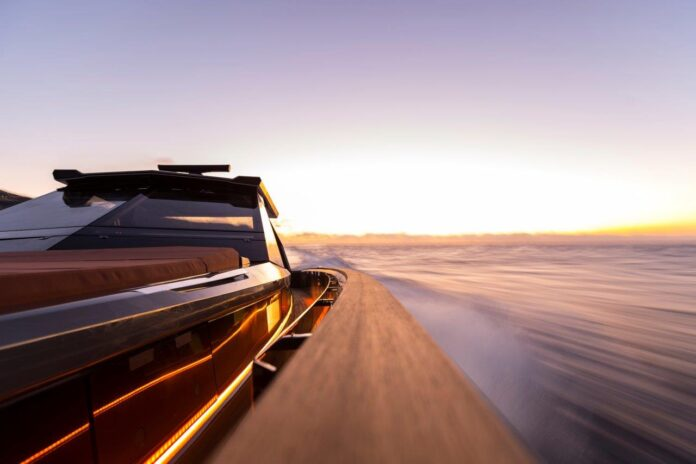 megayacht custom evo yacht