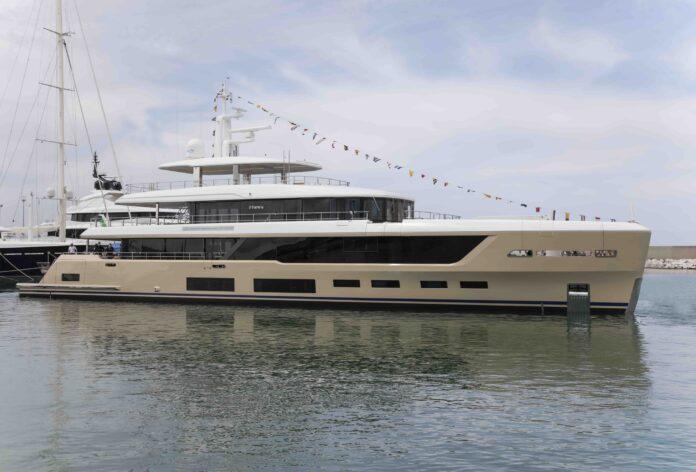 benetti mega yacht