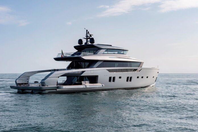 Outstandig Exterior Motor Yacht Design