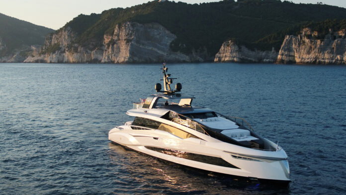 motor yacht evo120